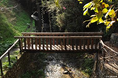 Wooden_bridge_1_Klarios_River_Kakopetria_village_lrg