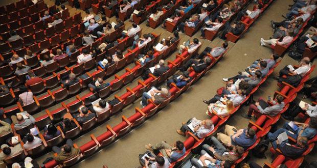 Ενα συνέδριο φέρνει την άνοιξη;