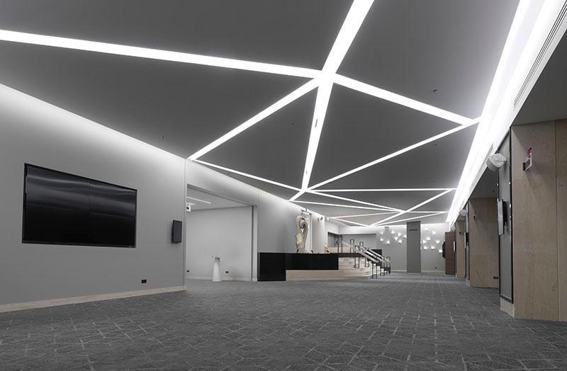 Επαναλειτουργεί πλήρως ανακαινισμένη η αίθουσα Ballroom του Crowne Plaza Athens City Centre